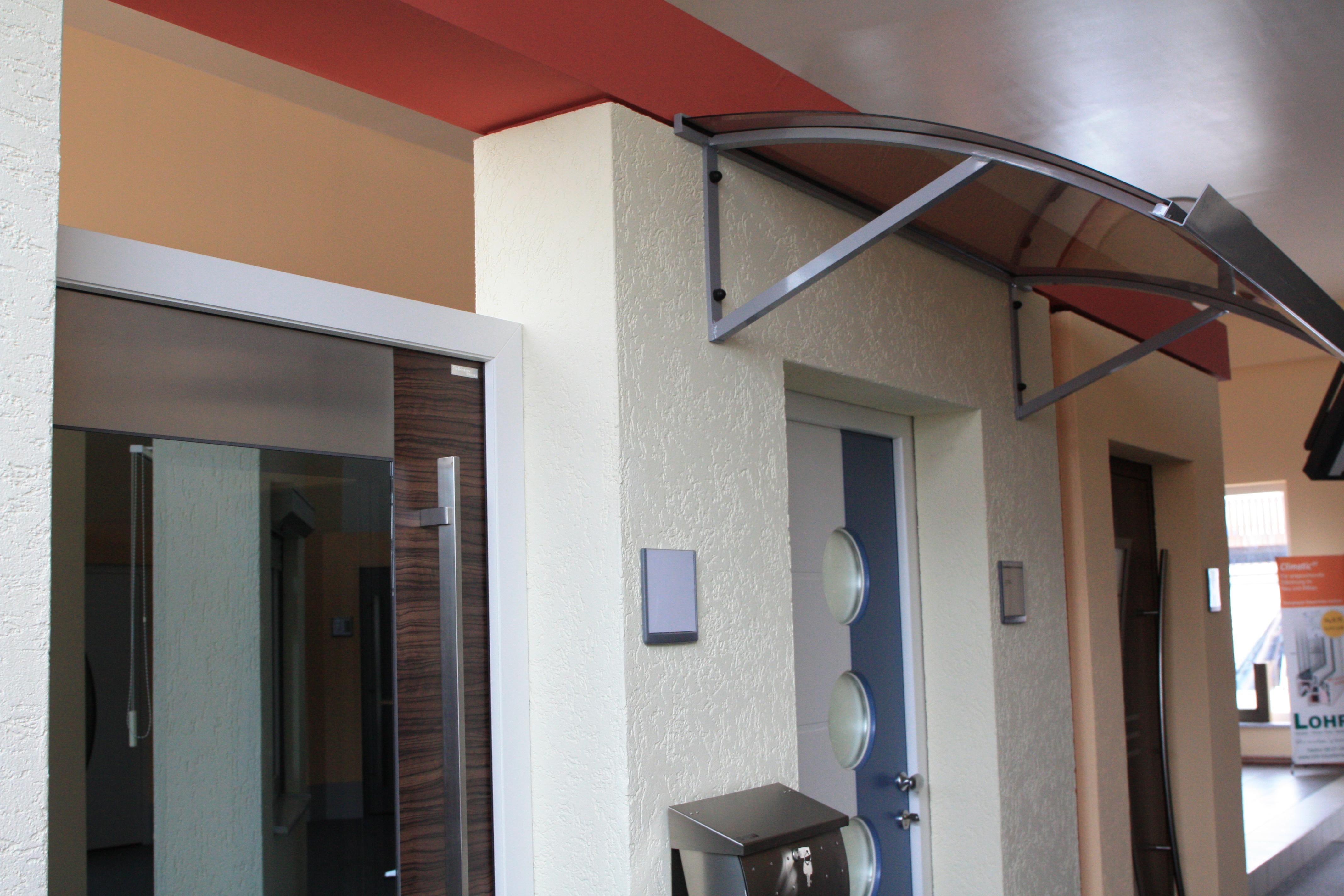 Lohr Baubedarf - Haustüren und Vordächer