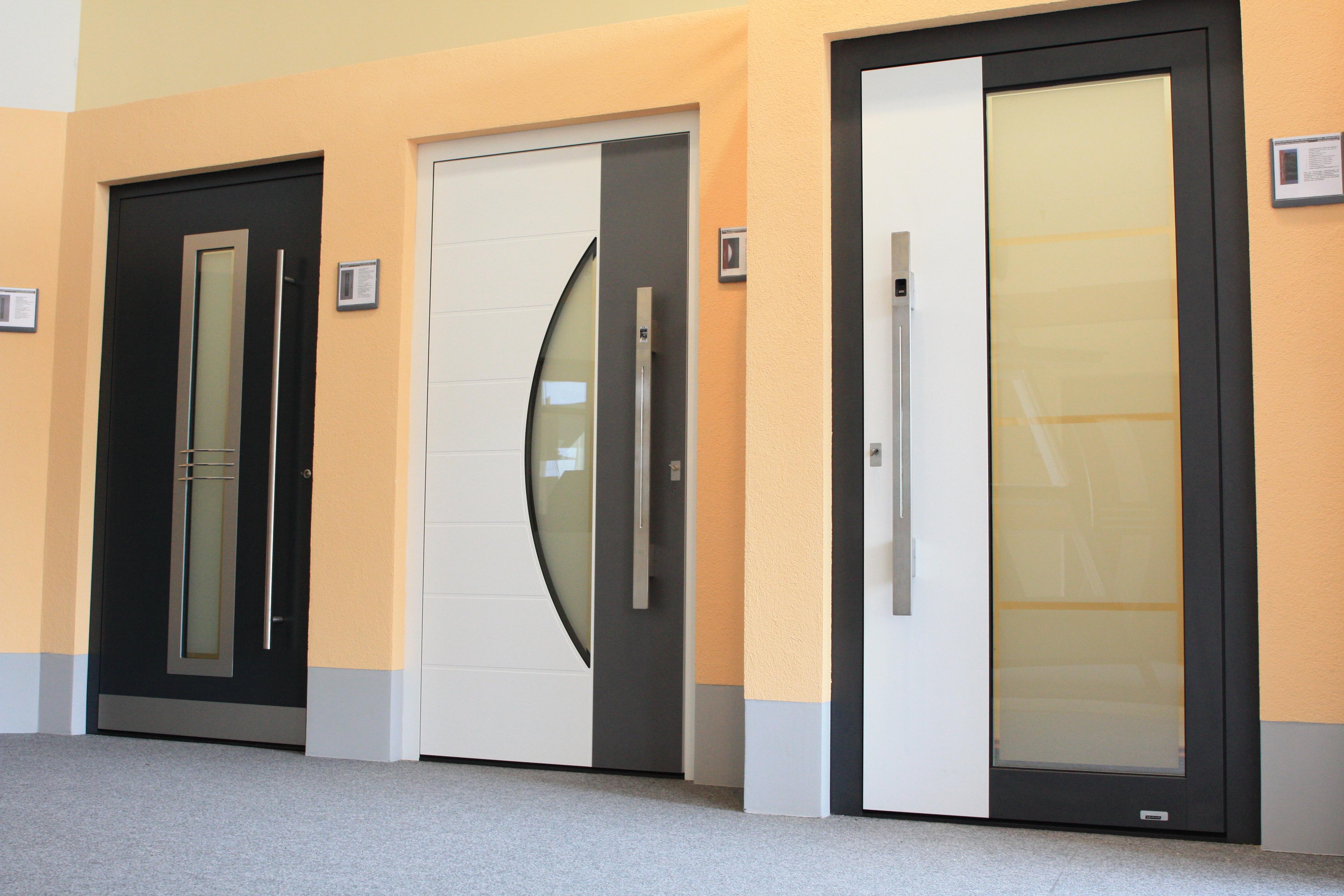 Haustüren aus Aluminium und Holz, Glasmuster